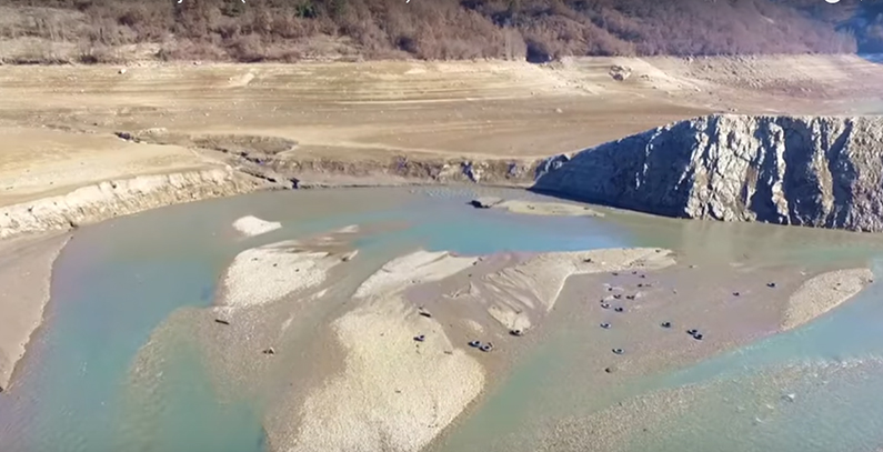 Jablaničko jezero presušilo, Elektroprivreda negira krivicu