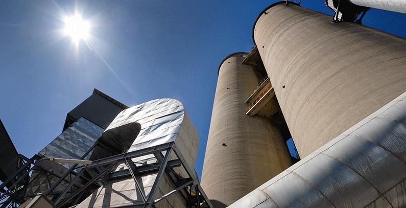 Mogućnosti i efekti korišćenja otpadnih materijala kao energenata u cementnoj industriji