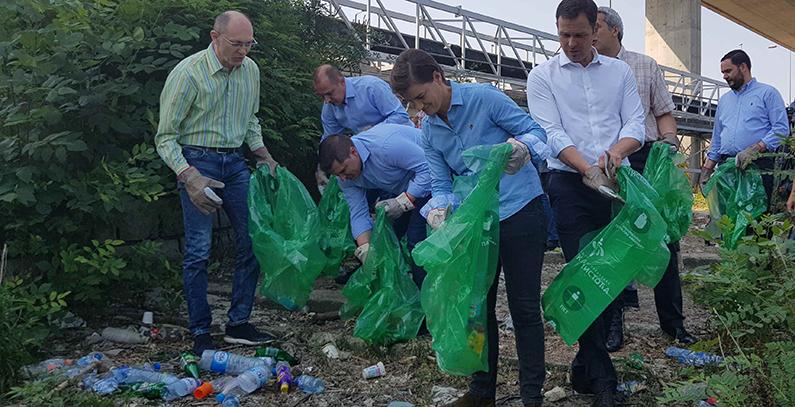 Premijerka i ministri čišćenjem priobalja Savskog jezera obeležili Svetski dan zaštite životne sredine