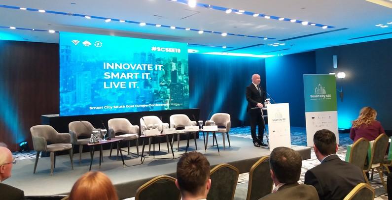 Koncept pametnog grada: digitalizacija, e-mobilnost, OIE, pametne mreže