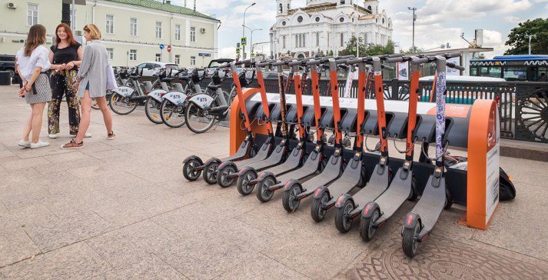 Samo u Beogradu za nekoliko meseci prodato 35.000 električnih trotineta