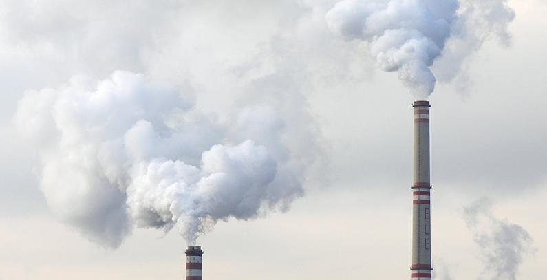 Porezi na fosilna goriva premali da bi podstakli prelaz na alternative sa niskim emisijama – izveštaj OECD-a
