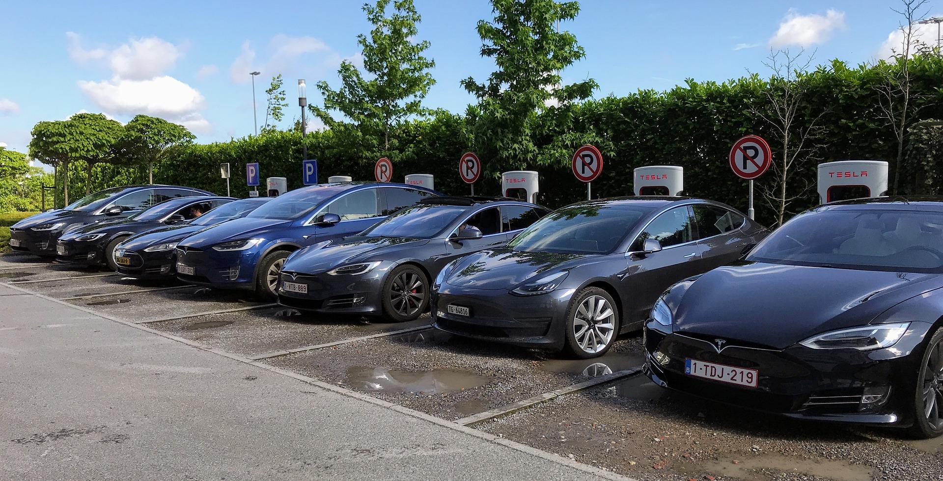 Tesla pretekao Toyotu na berzi i postao najvrednija automobilska kompanija