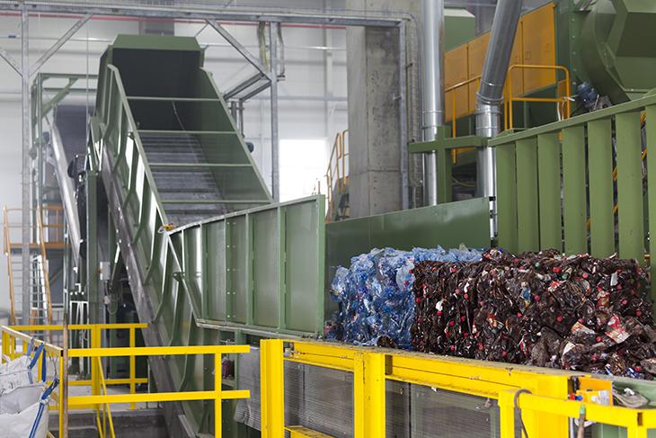 Baled material (PET bottles) feeding point in GREENTECH