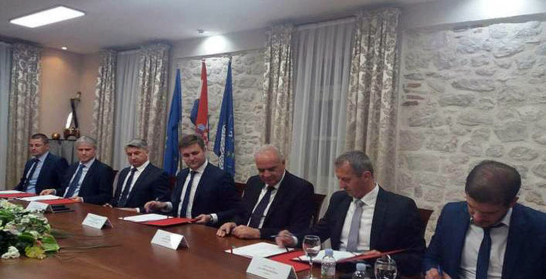 Contracts signed to upgrade joint water supply, sewage system in three Croatian Towns