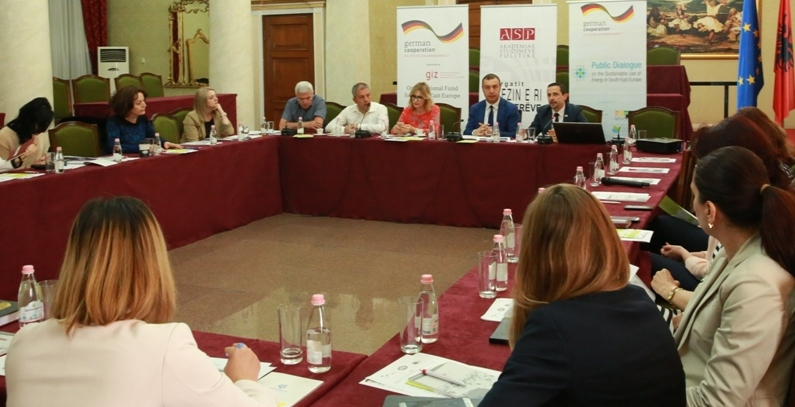 Albanian MPs, parliamentary staff trained on energy efficiency and climate