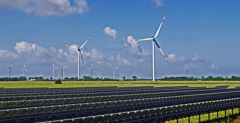 Akfen to build 4 new wind farms, 9 PV plants with EBRD's backing of up to USD 102 million