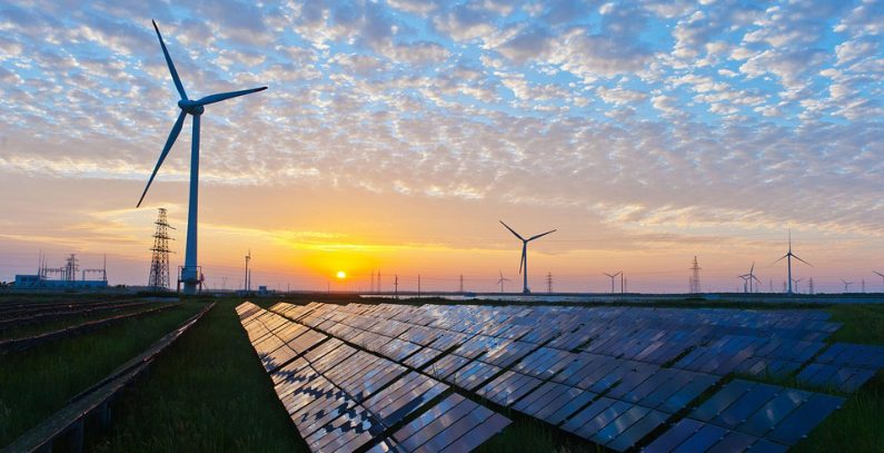 Greece to auction 423 MW in solar, wind capacities on December 10