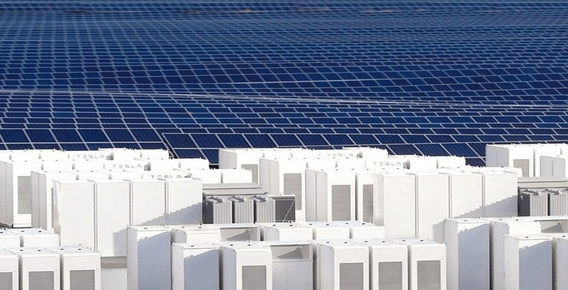 Greece discussing microgrids, energy storage systems with Tesla