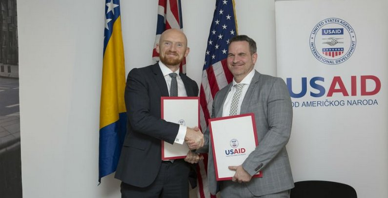 USAID, British Embassy sign MoU to help BiH met its obligation towards Energy Community