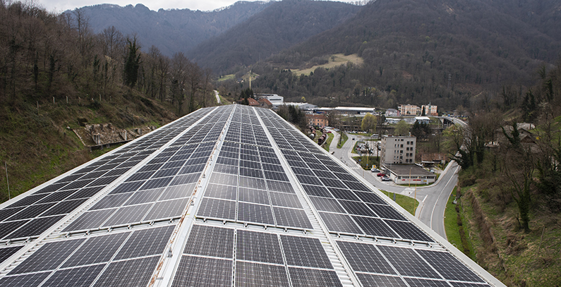 GEN-I, RCeNeM set up first B2B solar power plant in Slovenia