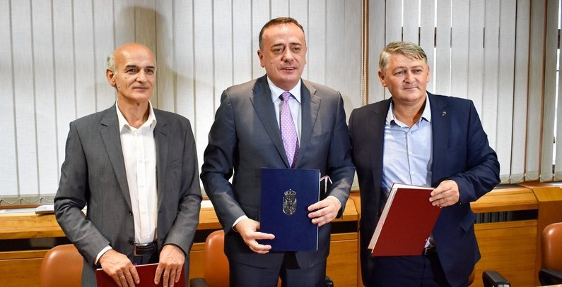 Contracts signed to finance switching two Serbian heating plants to biomass