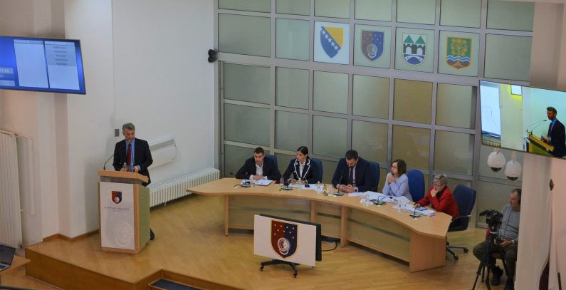 Incinerator discussed as solution for Sarajevo's waste disposal problem