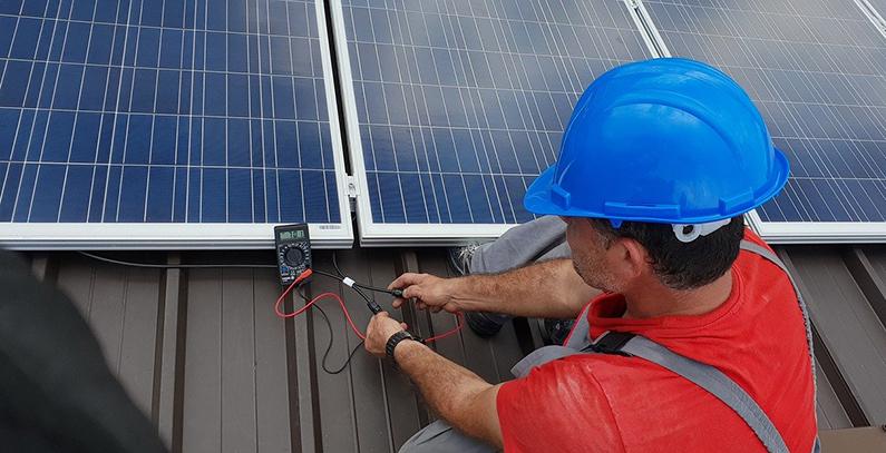 Investors cover only 51.8% of Greek solar power tender