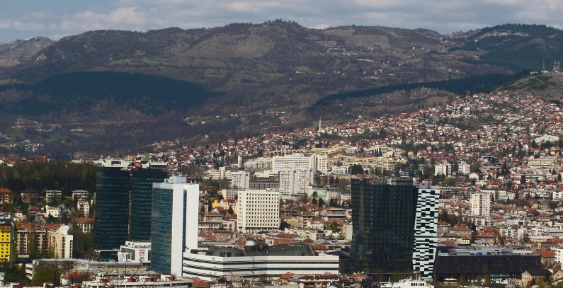 Sarajevo to track builders' impact on air quality, kindergartens get purifiers air quality