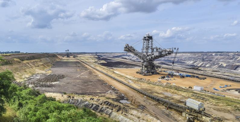 Romania to build 310 MW in solar power capacity in Oltenia coal pits