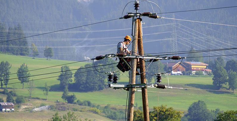 Electricity demand shrinks up to 10% in Albania, BiH due to COVID-19 crisis