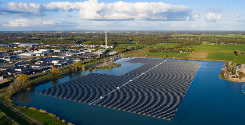 Investors floating solar, hybrid plants Greece